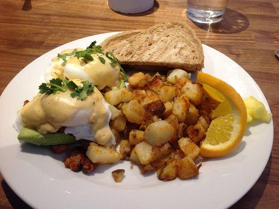Papa Leo's Restaurant: Papa's eggs