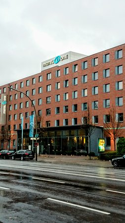 motel one hamburg altona picture of motel one hamburg. Black Bedroom Furniture Sets. Home Design Ideas