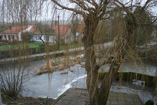 Clerques, França: vue depuis la chambre 8