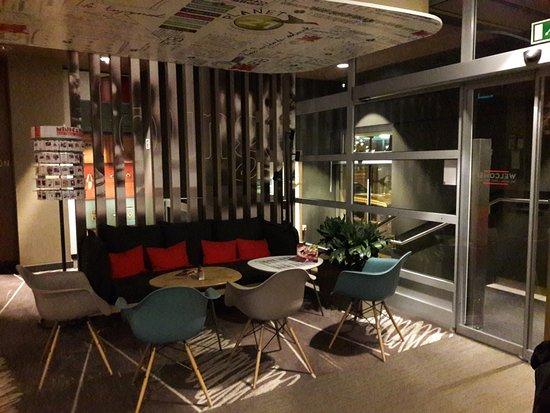 Entrée - Petit salon - Bild von Ibis Budapest City Hotel, Budapest ...