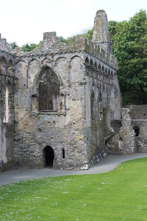 Lamphey, UK: this is a photo of part of the bishops palace