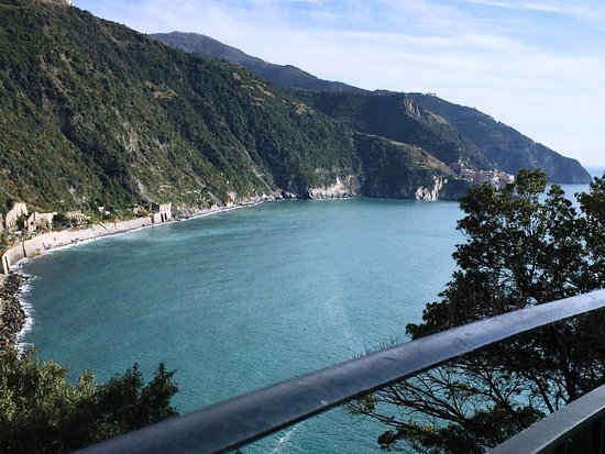 Shore Excursions in Italy - Day Tours: View from Corniglia