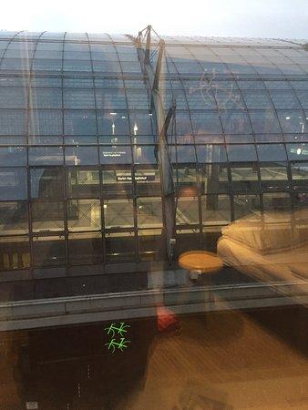 MEININGER Hotel Berlin Hauptbahnhof: photo0.jpg