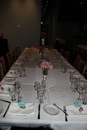 Concord, Canada: This is one of two tables that was at Trimani Restaurant for my 60th birthday party.