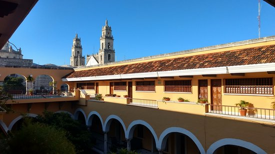 Caribe Hotel: Hermosa vista desde el 3er piso del hotel. a espaldas de la catedral.