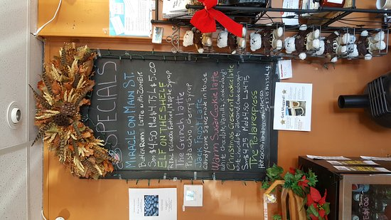 Friendship, WI: Amazing coffee specials and fruit tarts!