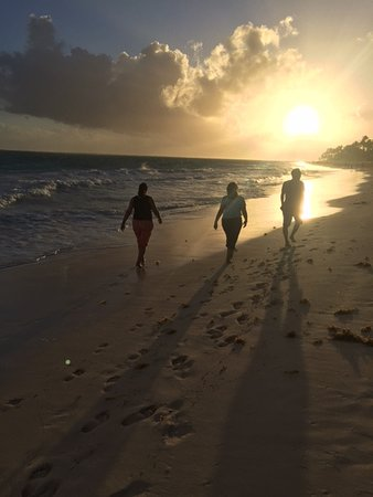 Paradisus Punta Cana: Morning walk on the beach