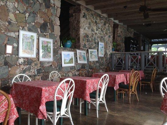Sugar Mill Hotel: Sugar Mill bar area