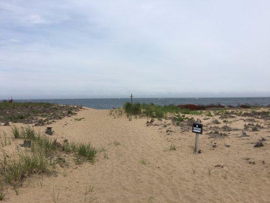 Newburyport, Μασαχουσέτη: The dunes into the beach