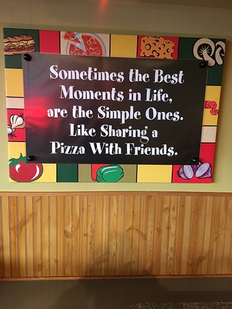 Andover, KS: Wide variety of great pizzas!