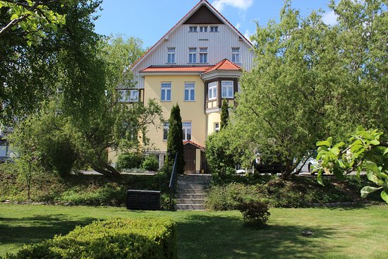 Wellnesshotel Jagdhaus: Hotel von der Gartenseite