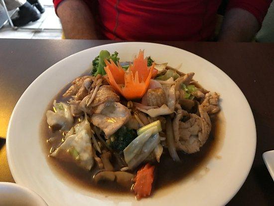 Bangkok Tokyo: Chicken with Vegetables