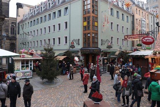 christmas market at neumarkt 3