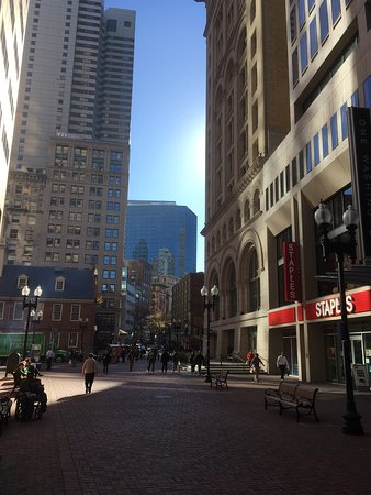 Hampton Inn & Suites Boston Crosstown Center: photo2.jpg
