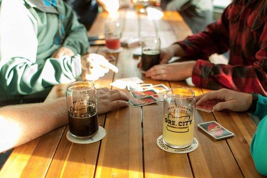 Oregon City, Oregon: Uno & OCB Beers