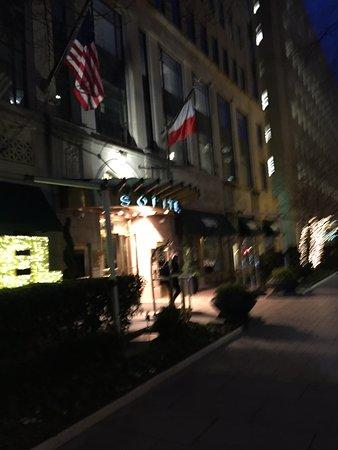 Sofitel Washington DC: Front Entrance