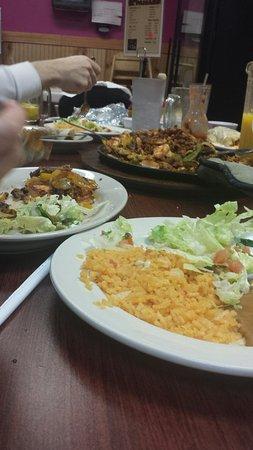 Carbondale, IL: Tiende Mexicana El Paisano