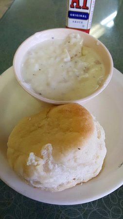 Castaic, CA: Biscuit and gravy