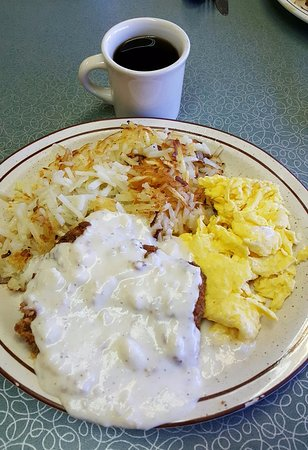 Castaic, CA: Chicken Fried Steak with Scrambled Eggs and Hash Brown