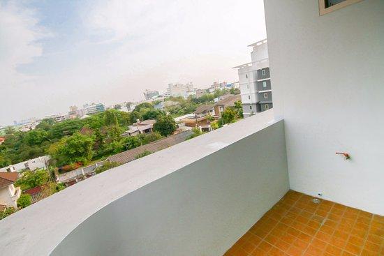 KV Mansion: balcony