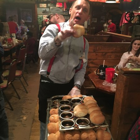 Ozark, MO: Lamberts Cafe where they throw hot rolls