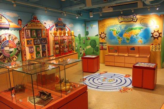 香港ディズニーランドリゾートの日本語ガイド&ファンサイト <Disney-Parks.info>