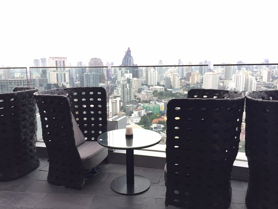 Octave Rooftop Lounge and Bar: find the best table and view and have fun!!