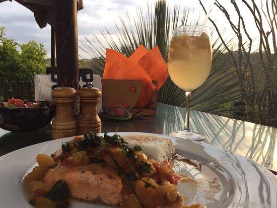 Nirvana Restaurant Retreat: photo0.jpg