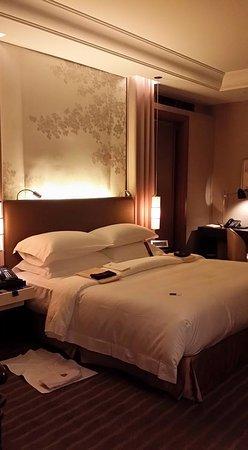 The St. Regis Osaka: super comfortable bed!
