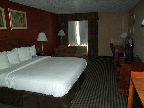 Baymont Inn & Suites Oklahoma City Airport Picture