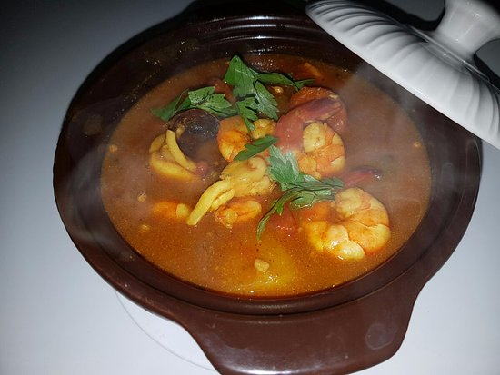 Brick Cafe: This is my delicious seafood curry for dinner! Yummy
