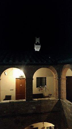 Palazzo Bellarmino: Il chiostro