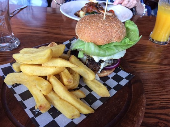 Pukekohe, New Zealand: The Gerhard Burger