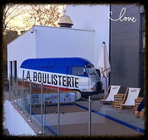 Σοφία Αντίπολις, Γαλλία: La Boulisterie - Belle animation conviviale au Beachcomber