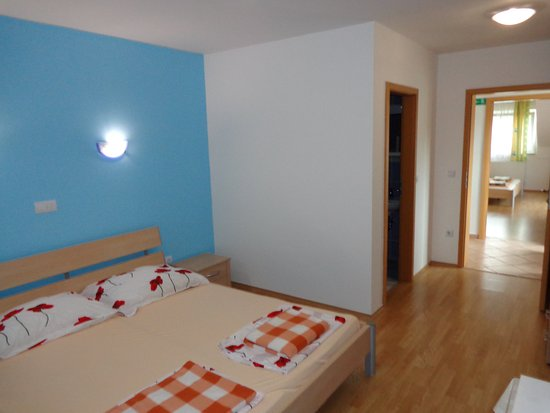 Verzej, Eslovenia: Room 3 - u see to room 4