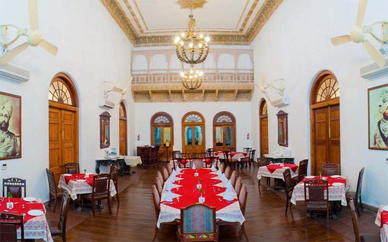 Neemrana's - Baradari Palace: The grand banquet dining hall with its painted cornice