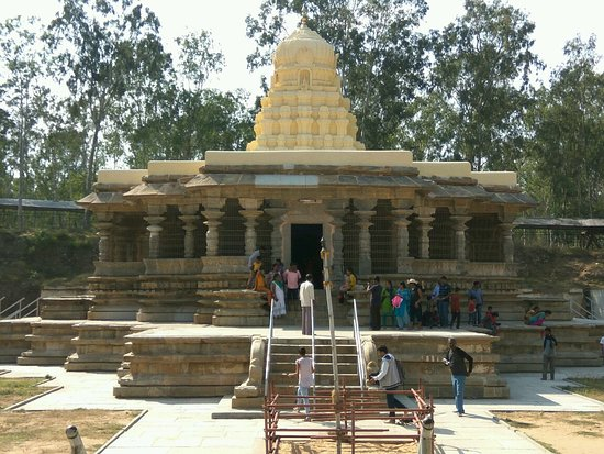 Talakad, Indie: A glimpse of the beautiful Keerthi Narayana Temple