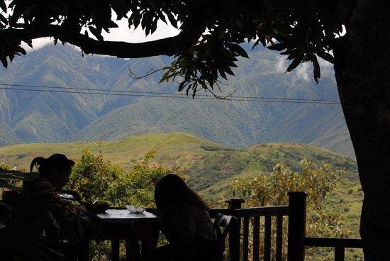 Villa Bonita : Hermosa vista desde la mesa
