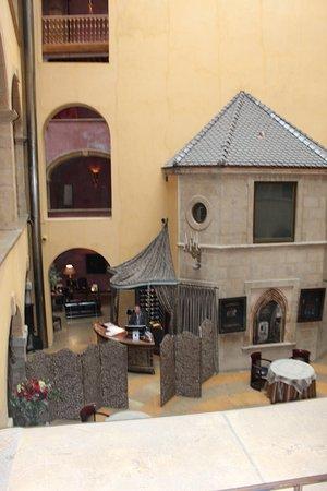 Innengestaltung  Innengestaltung - Bild von Cour des Loges, Lyon - TripAdvisor