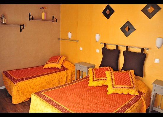 Hotel select bewertungen fotos preisvergleich salon for B b hotel salon de provence