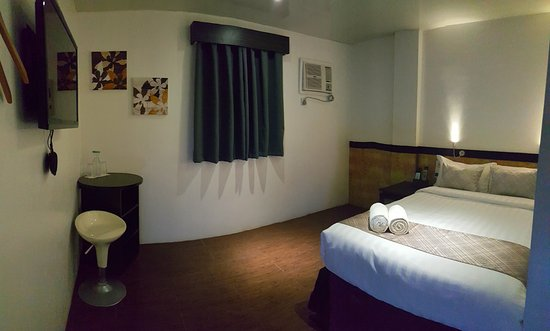 Terrific Deluxe Room Area 20 To 25 Square Meters Two 2 Units Download Free Architecture Designs Rallybritishbridgeorg