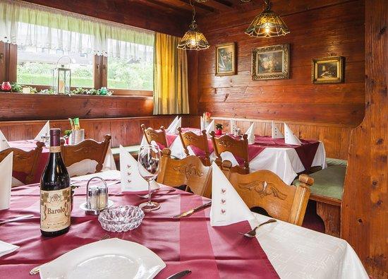 Absam, Austria: gemütlich essen & trinken