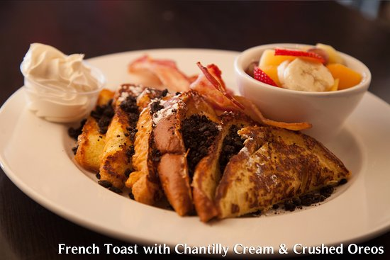 Barrie, Canada: French Toast with Oreos