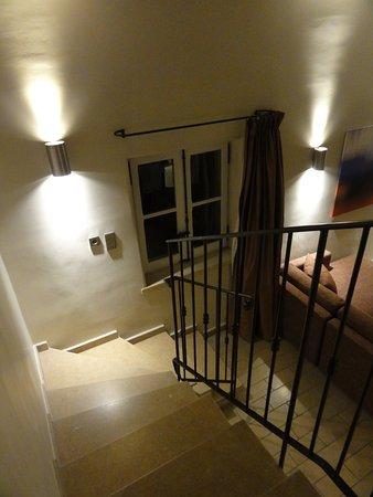 Gargas, Fransa: un bel escalier qui mêne à la chambre