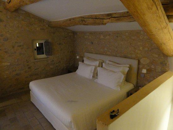 Gargas, Fransa: le lit
