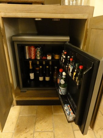 Gargas, France: un minibar très pourvu...