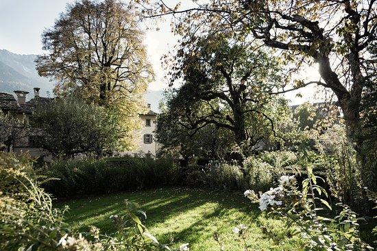 Hotel Palazzo Salis – Ankommen. Und die Zeit vergessen. – Swiss Historic Hotel in Soglio (Bergel