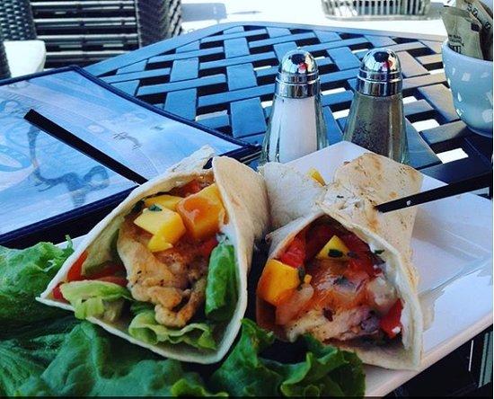 Aurora, Canadá: fish tacos appetizer