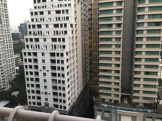 Mayfair, Bangkok - Marriott Executive Apartments: View from master bedroom