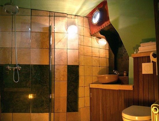 Design Badkamer Nijmegen : Badkamer met douche nacht kamer foto van opoe sientje